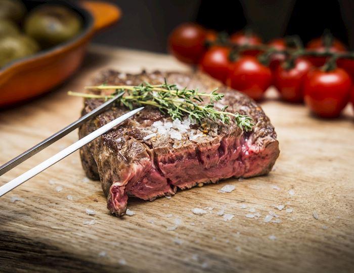 Prvotřídní steaky v restauraci Midtown Grill