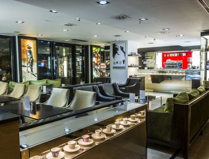 Interiér restaurace Midtown Grill