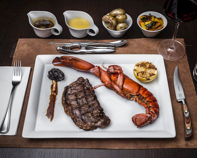 Steak & Lobster v restauraci Midtown Grill